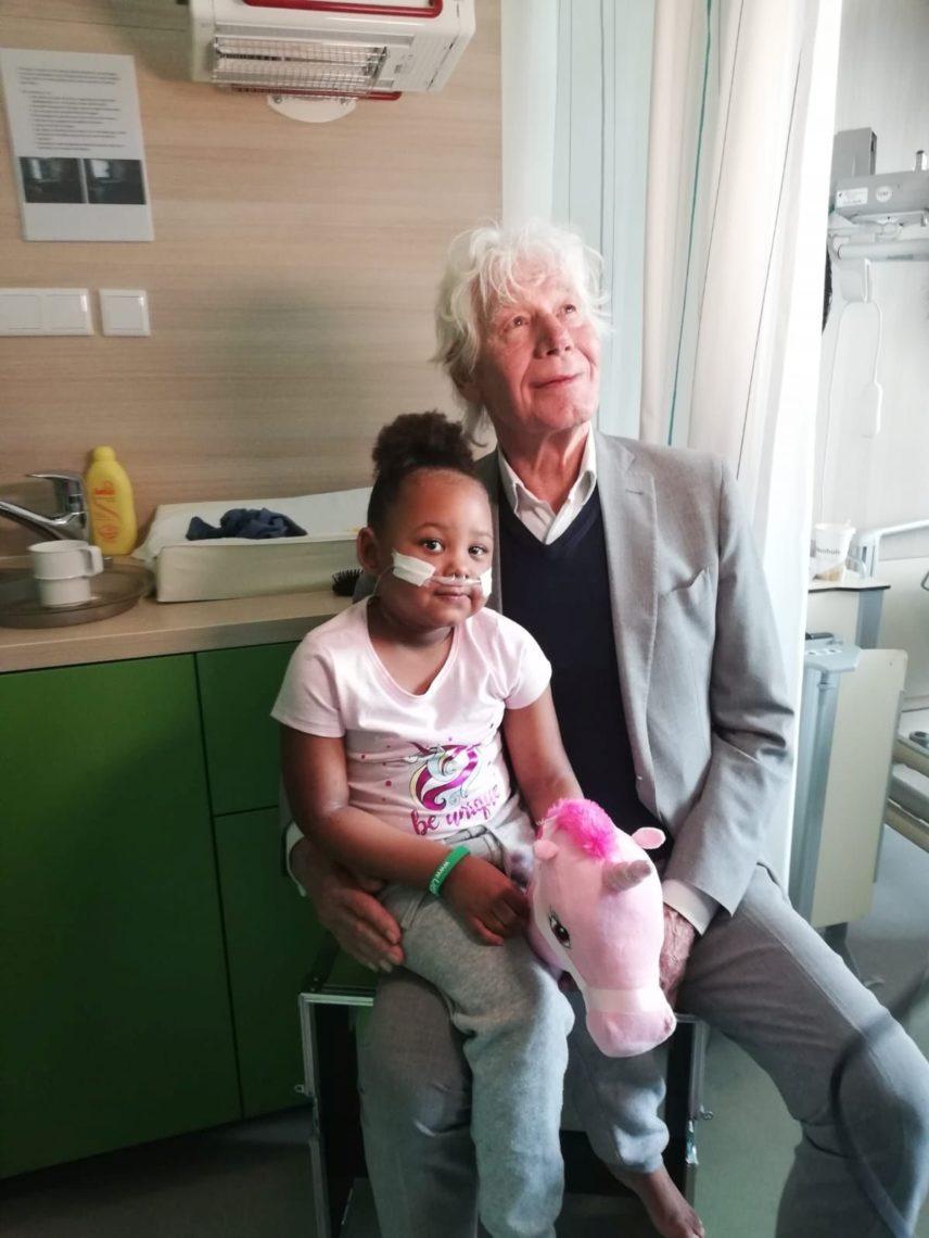 Unicef ambassadeur Paul van Vliet bezoekt de Liedjesfabriek